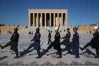 Wachablösung vor dem Atatürk-Mausoleum in Ankara