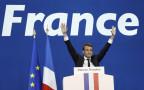 Lässt sich von Anhängern feiern: Emmanuel Macron erreichte im ersten Wahlgang der französischen Präsidentschaftswahl das beste Resultat.