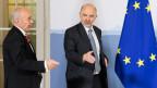 Finanzminister Ueli Maurer (links) und Pierre Moscovici, EU-Wirtschafts- und Währungskommissar beim Treffen in Bern.