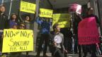 Protest gegen Trumps Anti-Sanctuary-Cities-Dekret vor dem amerikanischen Bundesgericht in San Francisco.