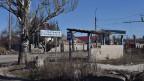 Der Krieg in der Ostukraine zeigt seine hässlichen Folgen vor allem am Stadtrand der Grossstadt Donezk.