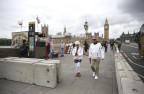 Die Behörden haben Sperren auf der Westminster-Brücke aufgebaut.