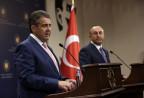Der deutsche Aussenminister Sigmar Gabriel und der türkische Aussenminister Mevlut Cavusoglu.