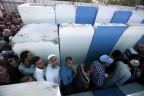 Palästinenser an einem Checkpoint in Betlehem
