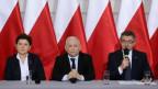Polens Regierung kann die umstrittene Justizreform umsetzen.