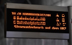 Auf einer Anzeigetafel informieren die Verkehrsbetriebe der Stadt Zürich ihre Fahrgäste über einen Stromunterbruch (am 13.5.2017).