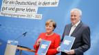 Bundeskanzlerin Angela Merkel und der CSU Vorsitzende Horst Seehofer stellen ihr Programm zur Bundestagswahl 2017 vor.
