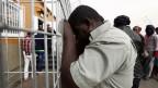 Afrikanische Migranten in Holot in Israels südlicher Negev-Wüsten-Haftanstalt.