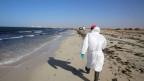 Am Strand von Zuwara werden immer wieder Leichen von Migranten angeschwemmt.