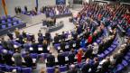 Der neue deutsche Bundestag ist in Berlin zur ersten Sitzung zusammengekommen.