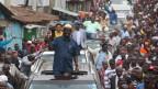 Der Führer der Oppositionskoalition Raila Odinga (C) während seiner Wahlkampftour in den Mathare-Slums am 3. September 2017.