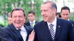 Gerhard Schröder (links) und Recep Tayyip Erdogan in Hannover im 2009.