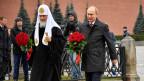 Wladimir Putin (rechts) und der russische Patriarch Kyrill bei der Einweihung des Denkmals.