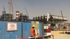 Sicht auf die Baustelle, wo bald das neue Gaskraftwerk stehen wird. Bild: Philipp Scholkmann/SRF.