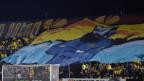 Maccabi Tel Aviv Fans feiern auf einem grossen Transparent Theodor Herzl.
