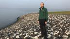 Johannes Oelerich, der Direktor des Landesbetriebs für Küstenschutz, Nationalpark und Meeresschutz von Schleswig-Holstein, der sog. Deichgraf des Landes auf einem neugebauten Deich.