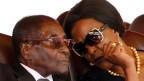 Simbabwes Präsident Robert Mugabe und seine Frau Grace.