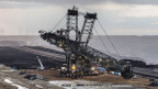 Tagebau Garzweiler - eine Autostunde nördlich von Bonn. In einer riesigen rund 30 Quadratkilometern Grube wird hier seit drei Jahrzehnten Kohle abgebaut.