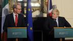 Die beiden Aussenminister Simon Coveney, Irland, und Boris Johnson, Grossbritannien, bei einem Treffen in Dublin.