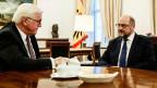Bundespräsident Frank-Walter Steinmeier (links) und der SPD-Vorsitzende Martin Schulz im Bellevue Palace in Berlin.