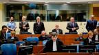 Die Verurteilten vor dem Ex-Jugoslawien-Tribunal in Den Haag.