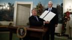 US-Präsident präsentiert den Erlass, mit dem er Jerusalem als Hauptstadt Israels anerkennt.