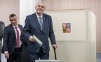 Der amtierende tschechische Staatspräsident Milos Zeman bei der Stimmabgabe.