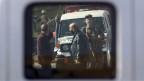 Sicherheitskräfte in Kabul nach einem schweren Anschlag.