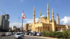 Zu sehen ist die Aminmoschee mit Kirchturm der maronitischen Kathedrale im wiederaufgebauten Zentrum Beiruts.