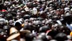 Zehntausende Menschen auf den Strassen in Nairobi, Kenia.