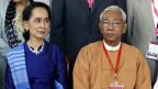 Burmas Regierungschefin Aung San Suu Kyi (links) und Burmas Präsident Htin Kyaw.
