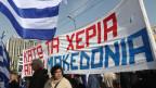 Griechen demonstrieren für den Namen Mazedonien in Athen.