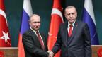 Gipfeltreffen in Ankara: Der türkische Präsident Recep Tayyip Erdogan (re) und sein russischer Amtskollege Vladimir Putin. Zu einem späteren Zeitpunkt wird noch der iranische Präsident Hassan Ruhuani dazustossen.