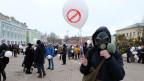 Mehrere tausend Menschen demonstrieren in Volokolamsk gegen die Deponie. Bild: David Nauer, SRF.