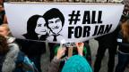 Foto des ermordeten Journalisten Jan Kuciak und seiner Verlobten während einer Anti-Regierungs-Kundgebung in Bratislava.