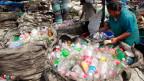 Zehn Wegwerfprodukte wären vom Plastikverbot betroffen, sowie ausrangierte Fischernetze.