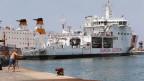 Innenminister Salvini liess mit der «Diciotti» ein Schiff der italienischen Küstenwache auf hoher See warten - eine absurde Situation. Bild: die «Diciotti» im Hafen von Trapani, Sizilien.