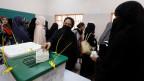 In Pakistan haben heute über 100 Millionen Stimmberechtigte ein neues Parlament gewählt.