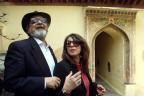 Naipaul 2002 mit seiner Frau in Indien
