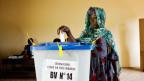 Wählerin in Bamako, Mali.