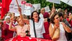 Tunisische Frauen demonstrieren in Tunis für gleiche Rechte.
