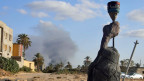 Rauch über Tripolis nach schweren Zusammenstössen zwischen rivalisierenden Fraktionen.
