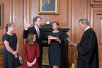 Richter Kavanaugh wird eingeschworen