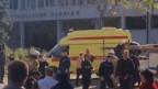 Ambulanz vor der Schule in der Krim.