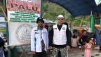 Vertreter islamischer Organisatoinen waren die ersten im Erdbebengebiet, die Hilfte brachten.