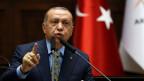 Der türkische Präsident Tayyip Erdogan spricht am 23. Oktober 2018 bei einem Treffen im türkischen Parlament in Ankara, Türkei, mit Abgeordneten seiner regierenden AKP.