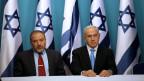Avigdor Lieberman, israelischer Verteidigungsminister (links) und Benjamin Netanyahu, isrealischer Premierminister im Jahre 2012.