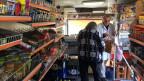 Stefan Pötschke fährt mit seinem mobilen Supermarkt durch die Dörfer von Mecklenburg-Vorpommern. Das «Frischemobil» gibt den Rentnerinnen ein Stück Freiheit zurück.