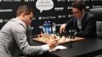 Die Schach-Kontrahenten Magnus Carlsen aus Norwegen (links) und Fabiano Caruana aus den USA.