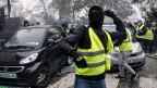 Die Proteste der «Gilet Jaunes» sind am Wochenende in Paris und in anderen französischen Städten wieder in Strassenkravalle ausgeartet.